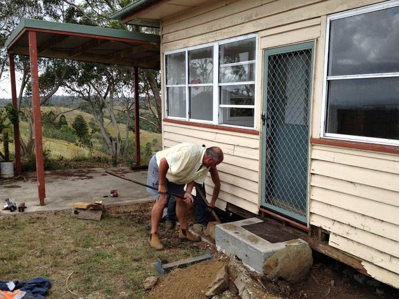 hard work restumping farm house2.jpg