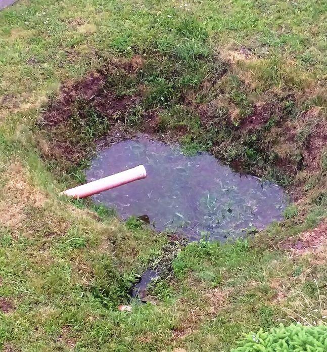 Loch mit Wasser+.jpg