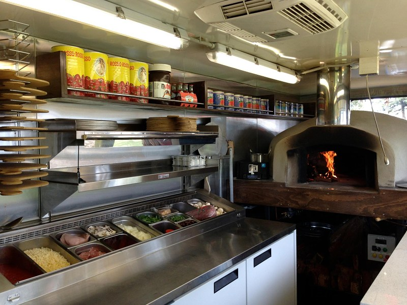 Pizza oven in truck 800.jpg