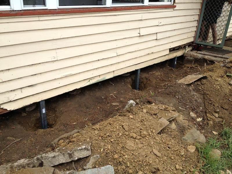 restumping farm house steel stumps.jpg