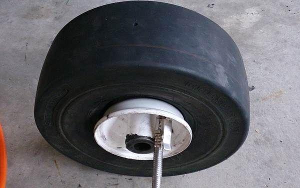 toro front tyre flat repair broken bead 2.jpg
