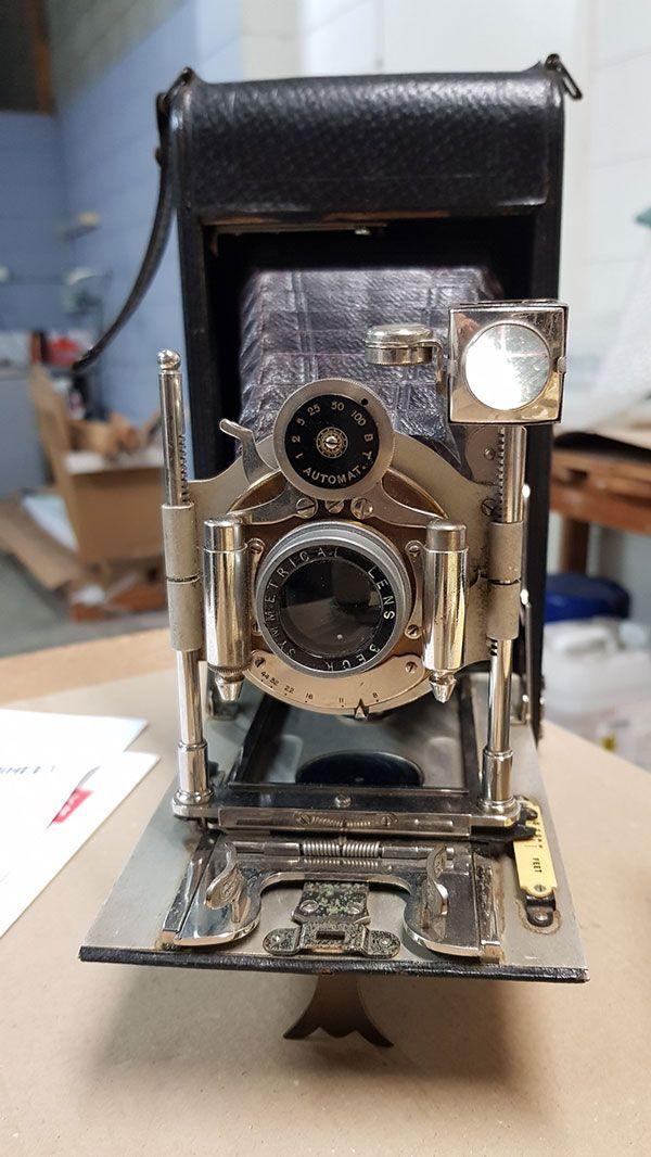 vintagecamera.jpg